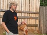 Жертвенная курица в руках жреца Виктора Наймушина